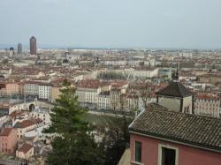 Vue panoramique des 5e, 2e et 3e arrondissements de Lyon