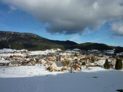 Vue d'Autrans, sous la neige, depuis le Claret