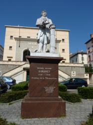 Statue de Georges-Antoine Simonet, créateur de la mousseline