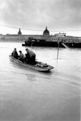 Le Rhône déborde