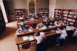 [Intérieur de la bibliothèque Saint-Jean]