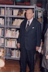 [Raymond Barre, maire de Lyon]