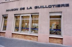 [La Maison de la Guillotière : bibliothèque du 7e arrondissement]