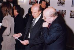 [M. le maire, Gérard Collomb, et Patrice Béghain à l'inauguration de la médiathèque du 2e arrondissement]