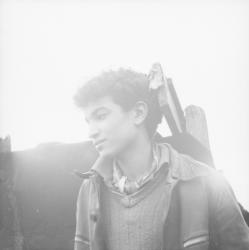 [Portrait d'un adolescent]