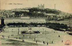 Lyon. - Place Bellecour