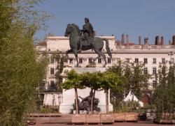 "[Animation ""Nature Capitale"" place Bellecour]"