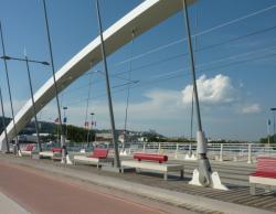 Mobilier urbain sur le pont Raymond-Barre
