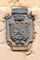 Repère de nivellement 45, à l'angle des rues de Castries et Vaubecour