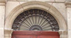Imposte rayonnante, 8 rue du Palais de justice