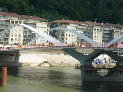 Le pont Schuman le soir de son inauguration