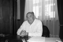 [Docteur Jacques Geneletti, maire de Modane (Savoie)]