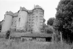 [Château-Prieuré de Pommiers-en-Forez]