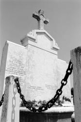 [Tombe de Claude Farrère à Saint-Foy-lès-Lyon]