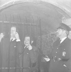 """Club des étrangers : """"En prison"""""""