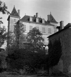 Crémieu (Isère) : château de Hautepierre