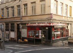 Rue Claude Pouteau : Boucherie des pentes