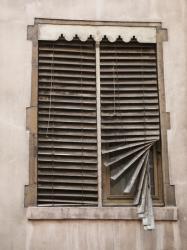 Rue Jacques Imbert- Colomès : Vieille fenêtre