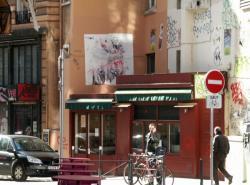 Rue Louis Vitet : Bistrot et tags