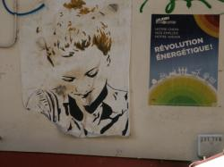Rue Louis Vitet : Tag papier