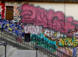 """Tag """"surtagué"""", rue Claude Pouteau"""