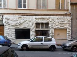 Au P'tit Bazar, rue Jacques Imbert-Colomès