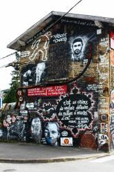 La Demeure du Chaos : vue extérieure, angle Impasse de la Croix - Rue de la République