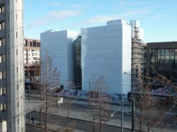 Façade boulevard Vivier Merle du bâtiment B 10 en démolition