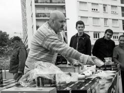 Le bateleur, marché des Charpennes