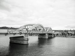 Pont de Neuville-sur-Saône, vu d'Albigny