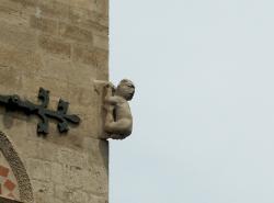 La Basilique Saint-Martin d'Ainay, acrobate symbolisant la spiritualité accomplie
