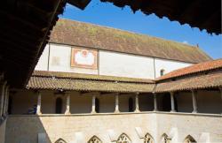 Abbaye Notre Dame d'Ambronay, cloître