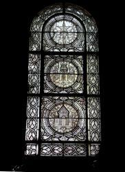 La Basilique Saint-Martin d'Ainay, chapelle de la Sainte Vierge, vitrail