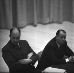 Conférence politique avec Dumas et Caille