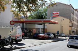 [Ancienne station service Avia]