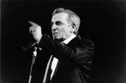 [Charles Aznavour au Palais des Sports de Lyon]
