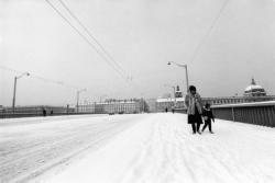 [Le pont de la Guillotière sous la neige]
