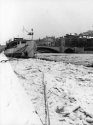 [Les quais de la Saône sous la neige]