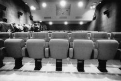 [Salle du cinéma Comoedia]