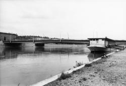 [Pont Gallieni]