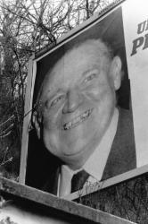 [Elections présidentielles de 1988 : campagne d'affichage lyonnaise de Raymond Barre]