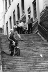 """[1re édition du Trial urbain des """"1000 Marches"""" (1987)]"""