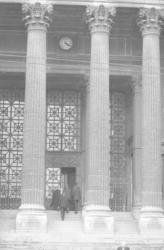 Palais de justice et passerelle