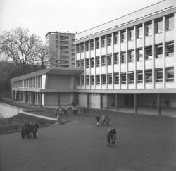 [Groupe scolaire à Fontaines-sur-Saône]