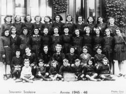 [Souvenir scolaire : école Jeanne-d'Arc à Vaulx-en-Velin, certificat d'études (année 1945-1946)]