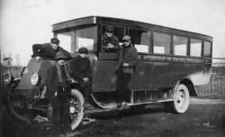 [Véhicule de transport des ouvriers de la Cité Tase (Vaulx-en-Velin)]