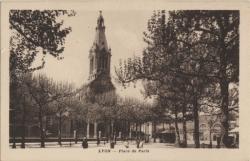 Lyon : Place de Paris