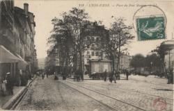 Lyon-Vaise : Place du Pont Mouton