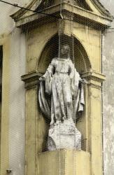 Statue de la Vierge en plâtre