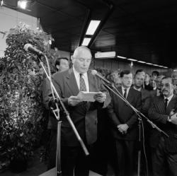 [Transports en commun de l'agglomération lyonnaise. Inauguration de la ligne D du métro (tronçon Gorge-de-Loup à Grange-Blanche)]